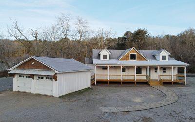PRE-SALE: Modern Farmhouse – Lot 1 Ivy Log Park
